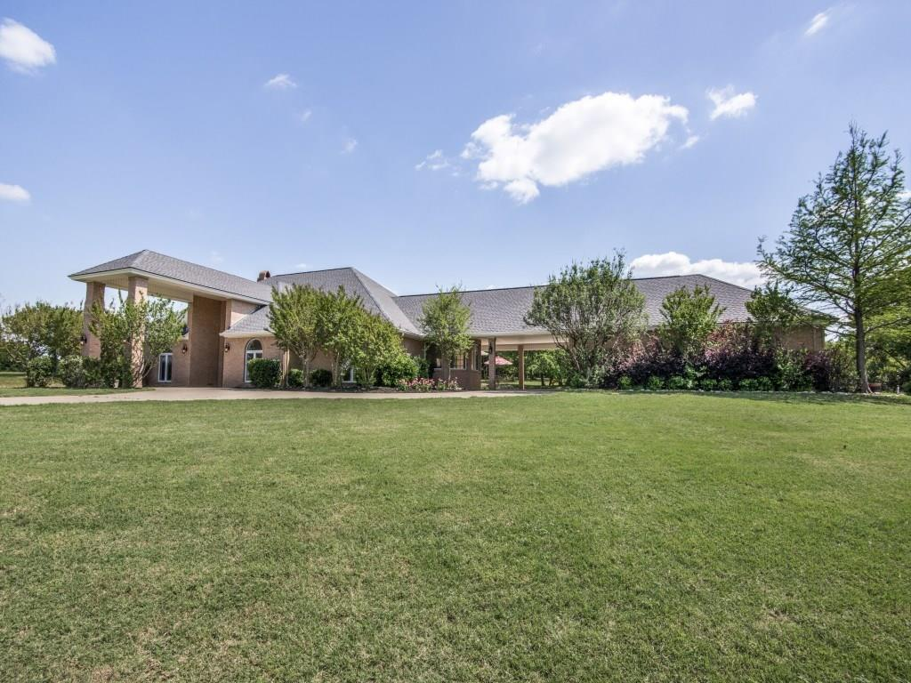 527 Hlavek Road, Decatur, TX 76234