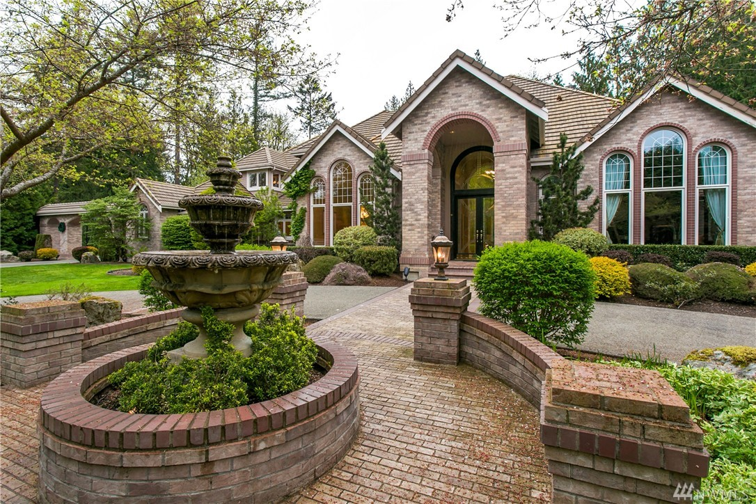 2030 250th Place NE, Sammamish, WA 98074