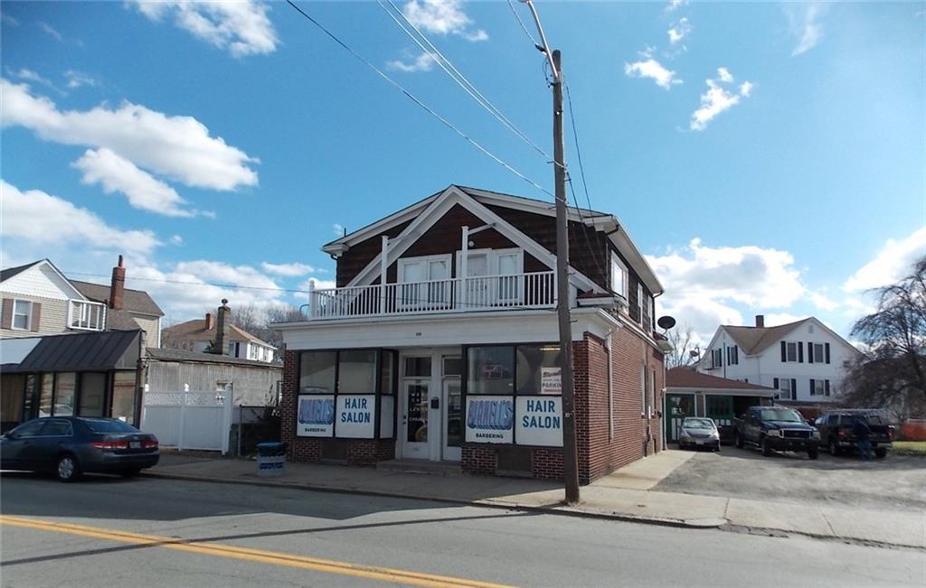 598 Hartford AV, Providence, RI 02909