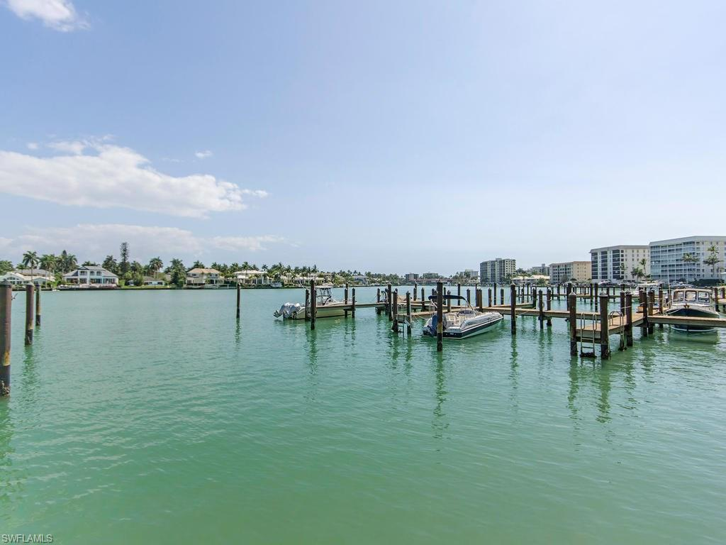 222 Harbour DR 202, NAPLES, FL 34103