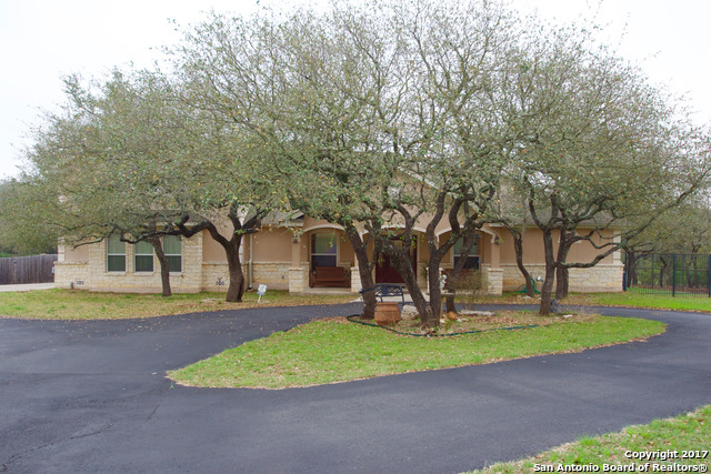 252 Bentwood Dr, Spring Branch, TX 78070