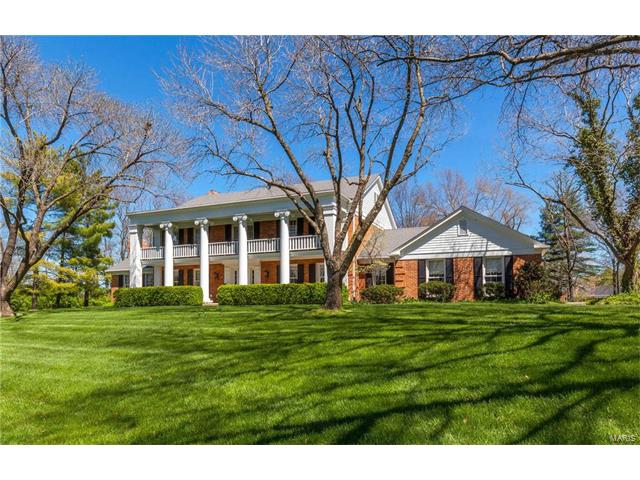 2464 Copper Beech Drive, Town and Country, MO 63131