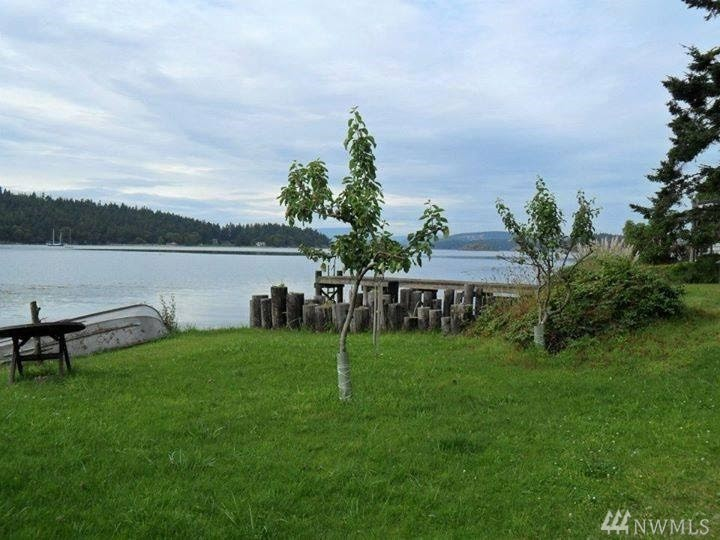 221 Mud Bay Dock Rd, Lopez Island, WA 98261