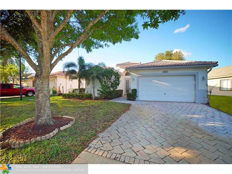 5323 Flamingo Ct, Coconut Creek, FL 33073