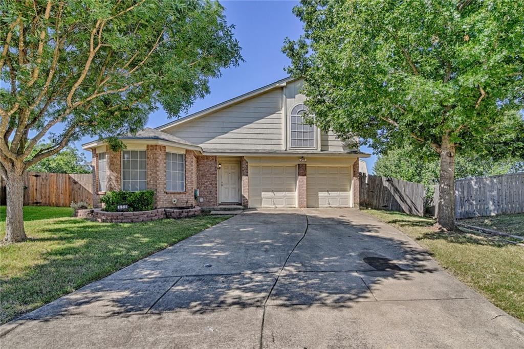 652 Blueberry Hill Lane, Mansfield, TX 76063