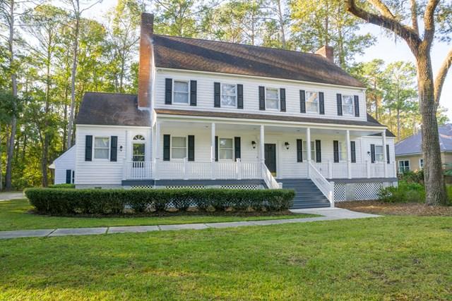 300 Oak Grove Island Dr, Brunswick, GA 31523