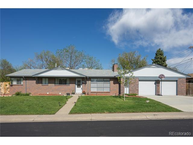 140 Dover Street, Lakewood, CO 80226