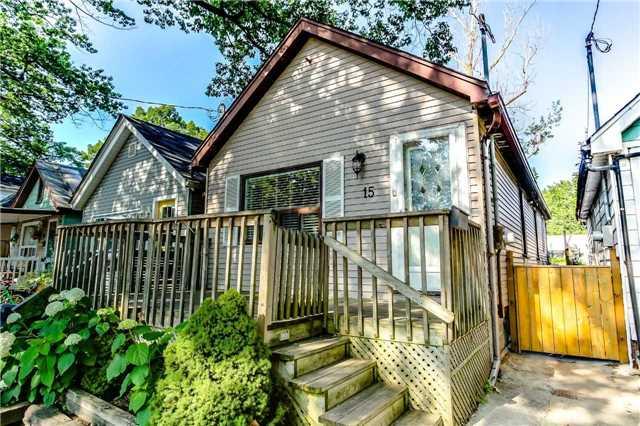 15 Kenworthy Ave, Toronto, ON M1L 3B1