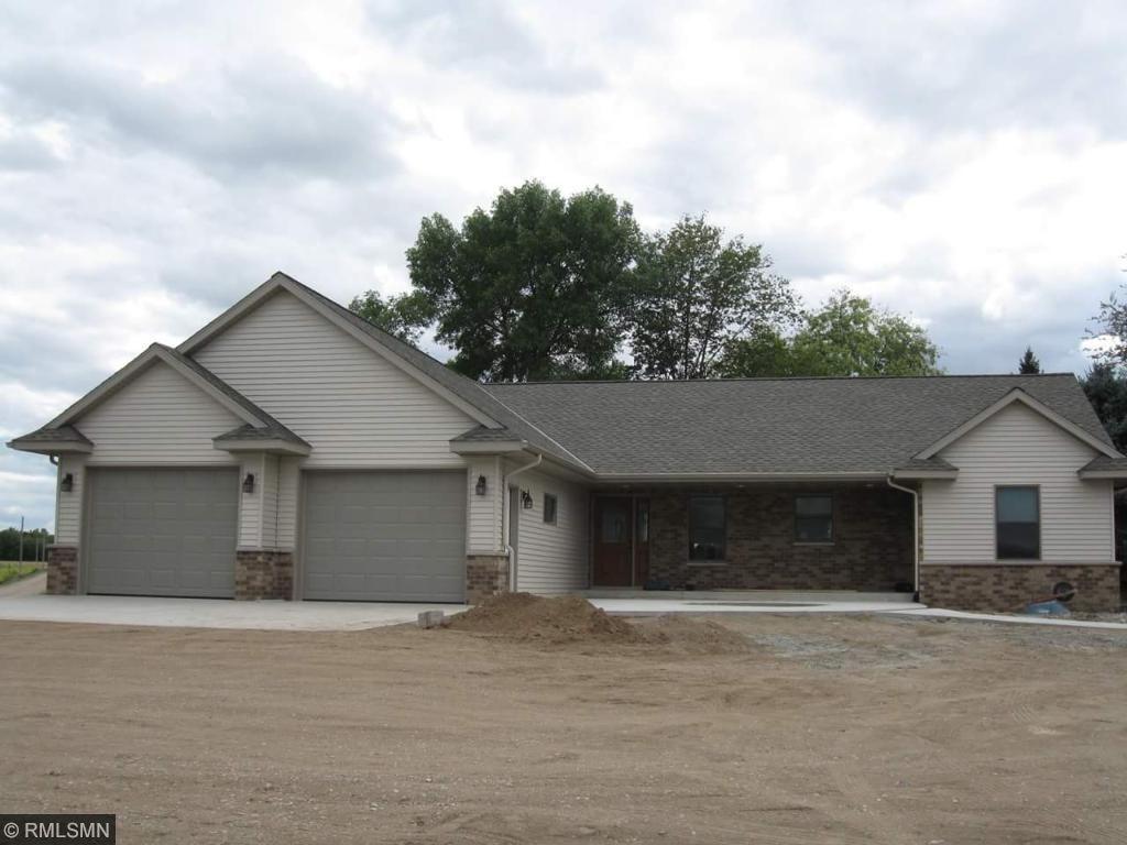 703 Ridge Rd, Henderson, MN 56044