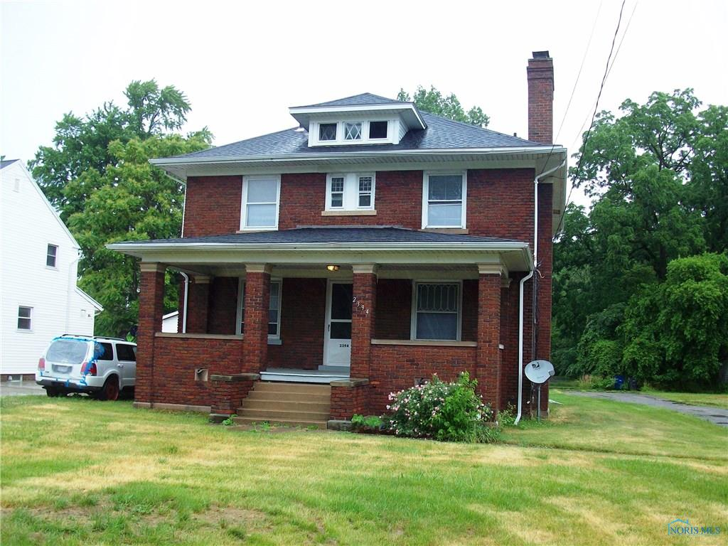 2394 Tremainsville Road, Toledo, OH 43613