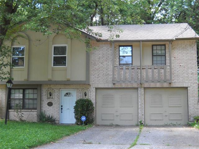 3012 NW Chelsea Place, Blue Springs, MO 64015