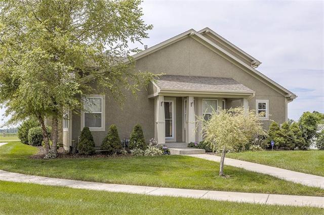 16481 S Laurelwood Street, Olathe, KS 66062