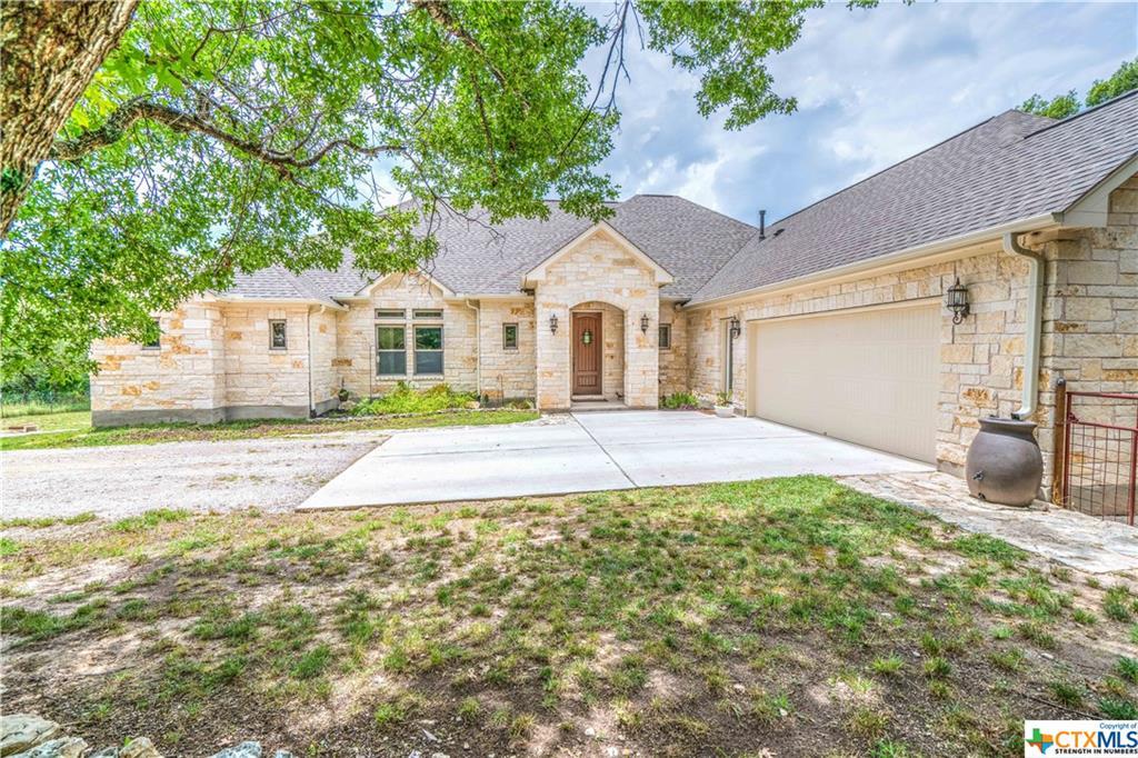 255 N Showhorse Drive, Liberty Hill, TX 78642