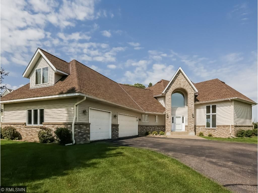7323 233rd Street N, Forest Lake, MN 55025