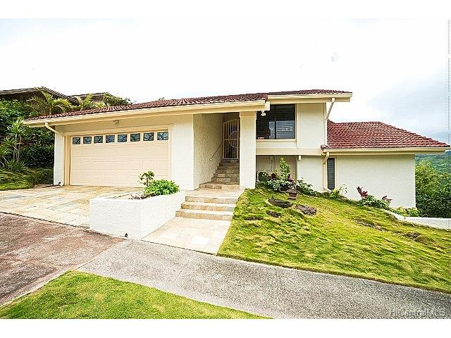 1072 Kaumoku Street, Honolulu, HI 96825