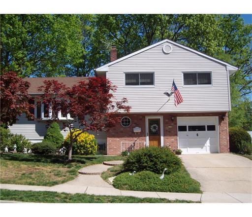 6 Birchwood Road, Monroe Township, NJ 08831