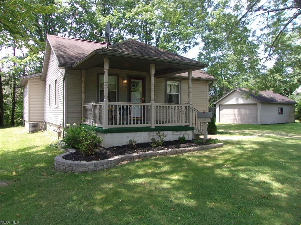908 Keefer Rd, Girard, OH 44420