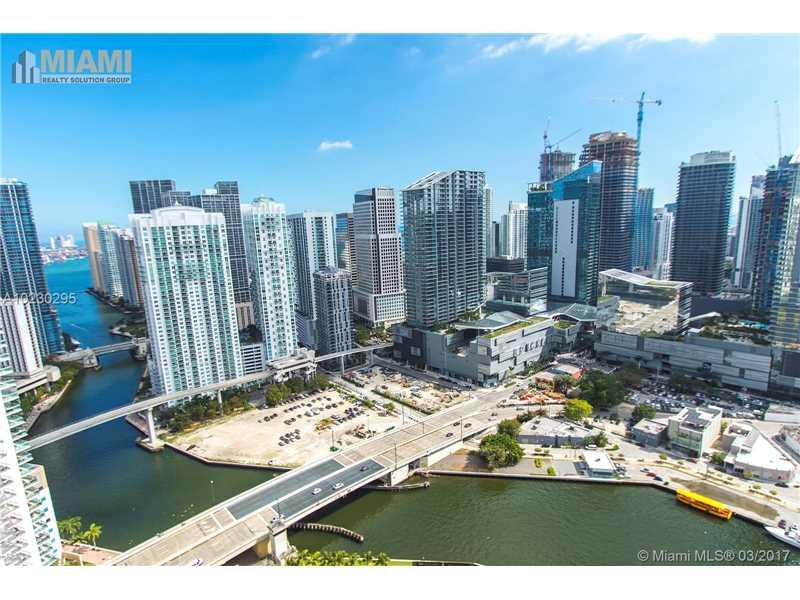 90 SW 3rd St 4101, Miami, FL 33130