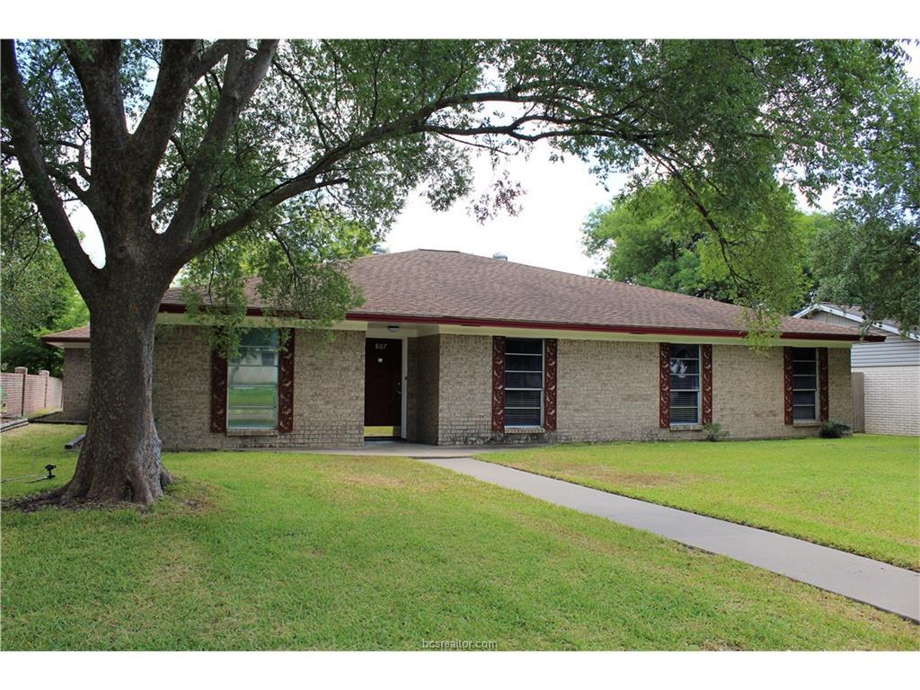 807 Avondale Avenue, Bryan, TX 77802