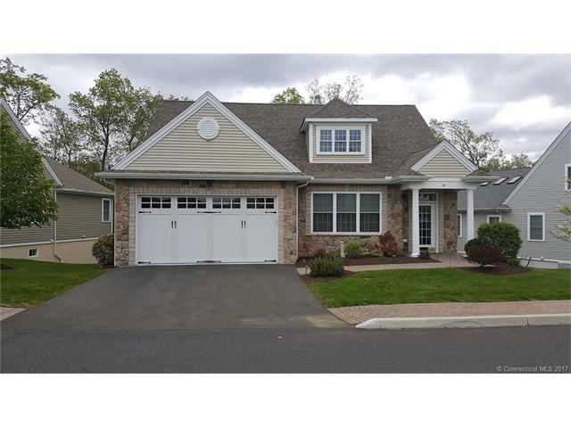 34 Fieldstone Ln, Beacon Falls, CT 06403