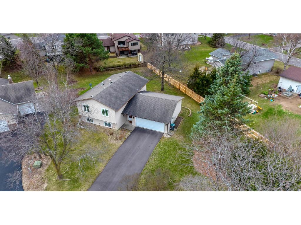10262 Brittany Way, Eden Prairie, MN 55347
