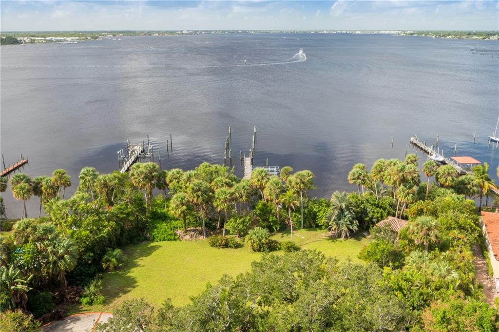 103 N Sewalls Point Road, Sewalls Point, FL 34996