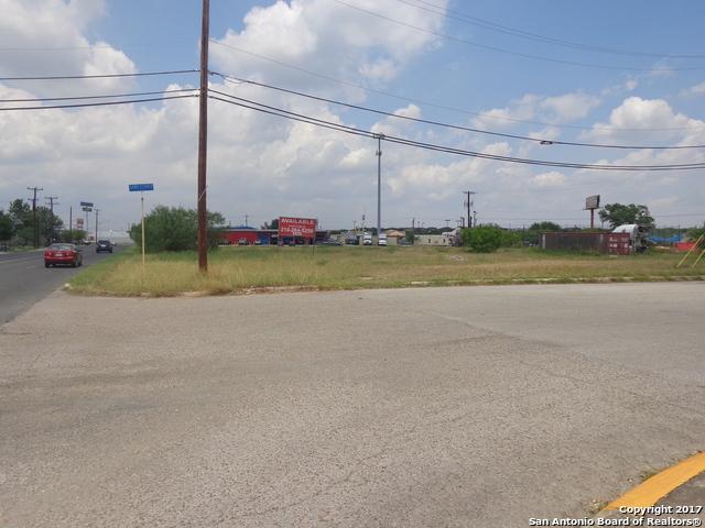 8002 W MAINLAND DR, San Antonio, TX 78250