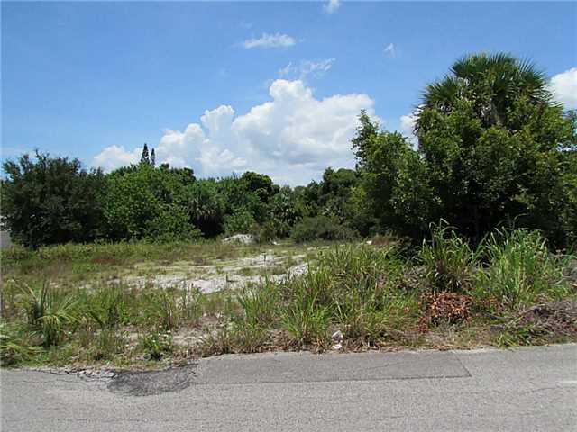 3820 NE Cheri Drive, Jensen Beach, FL 34957