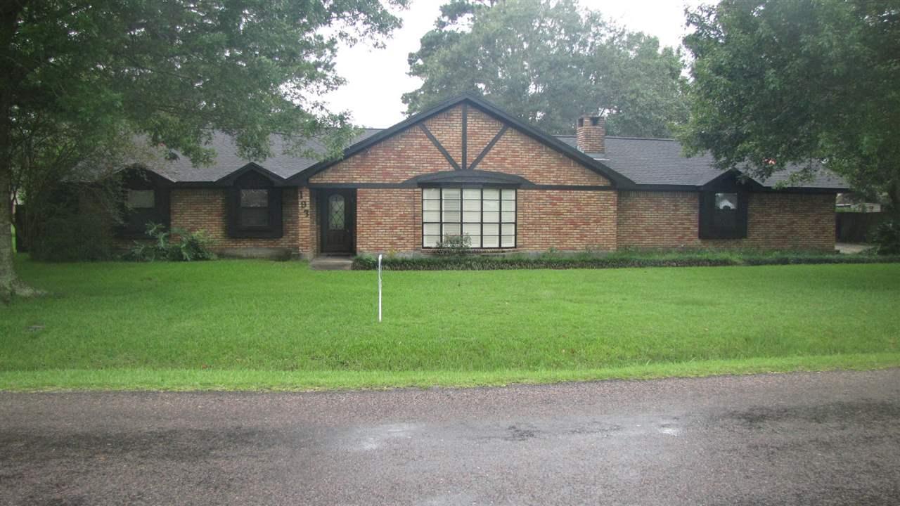193 Ridgewood Dr., Bridge City, TX 77611