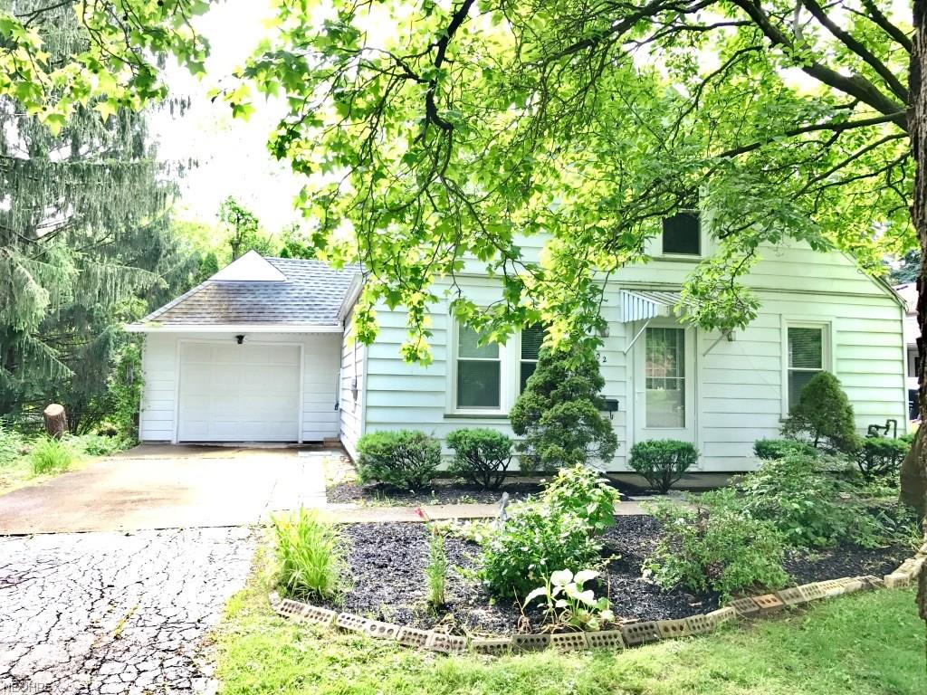 902 Keefer Rd, Girard, OH 44420