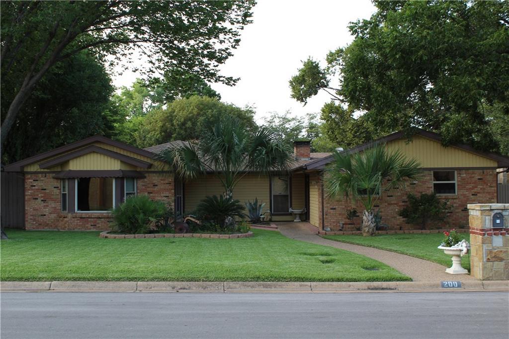200 Plainview Drive, Hurst, TX 76054