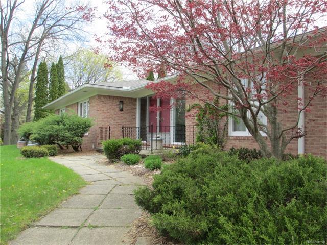 1755 HAMMOND Court, Bloomfield Hills, MI 48304