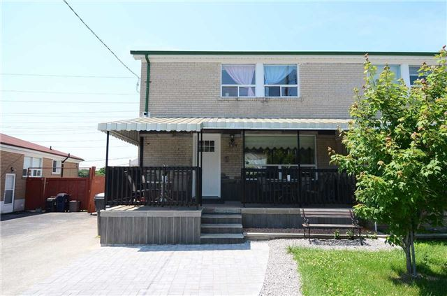 194 Santamonica Blvd, Toronto, ON M1L 4H6