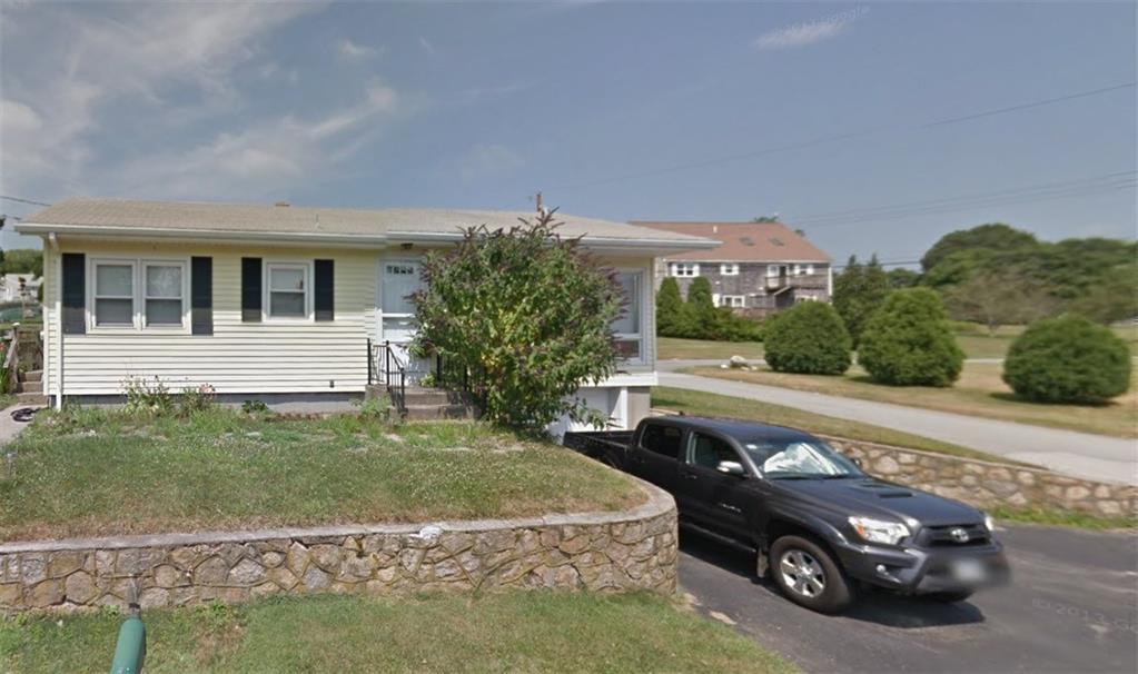 51 Lee AV, Portsmouth, RI 02871