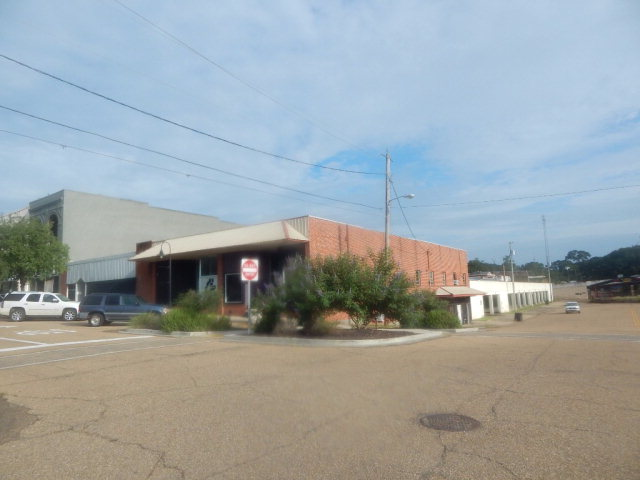 105 Railroad Blvd N, McComb, MS 39648