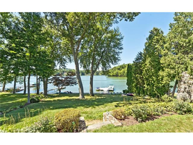 74 S Lake Shore Drive, Brookfield, CT 06804