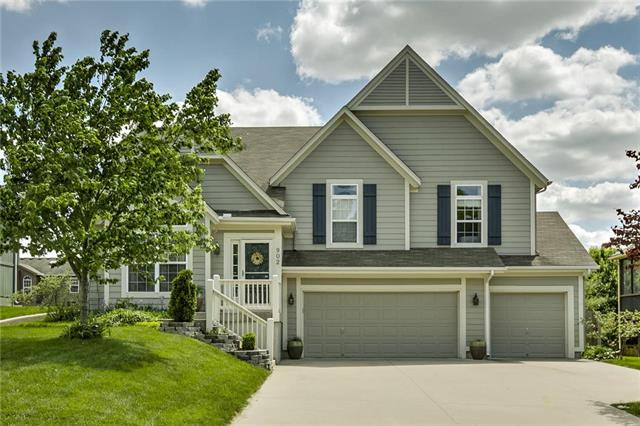 902 Colonial Drive, Pleasant Hill, MO 64080