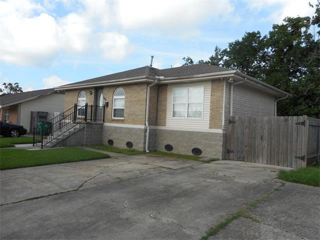 348 CHERRYWOOD Drive, Gretna, LA 70056
