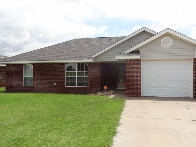 509 Russell, Cordell, OK 73632