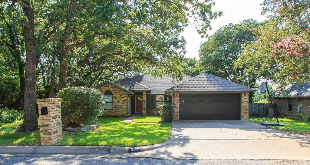 207 CAMELOT Drive, Weatherford, TX 76086