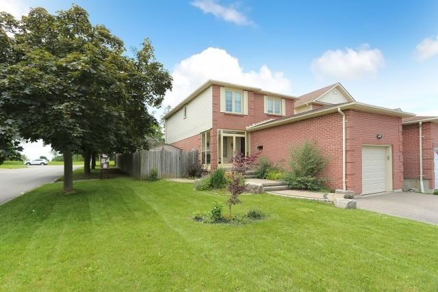 1467 Anton Sq, Pickering, ON L1V 5S5