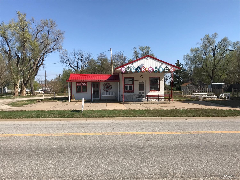 125 S Douglas Street, Ellsworth, KS 67439