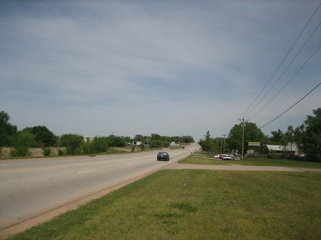 3926 S Division Street, Guthrie, OK 73044