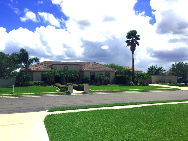 2001 S Dana Drive, Pharr, TX 78577