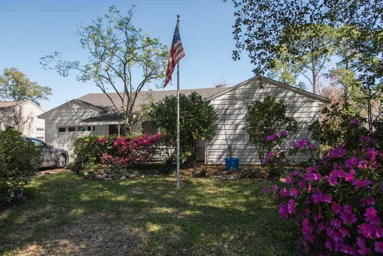 4424 Clermont Ave., Groves, TX 77619