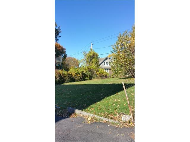 114 Lounsbury Street, Waterbury, CT 06706