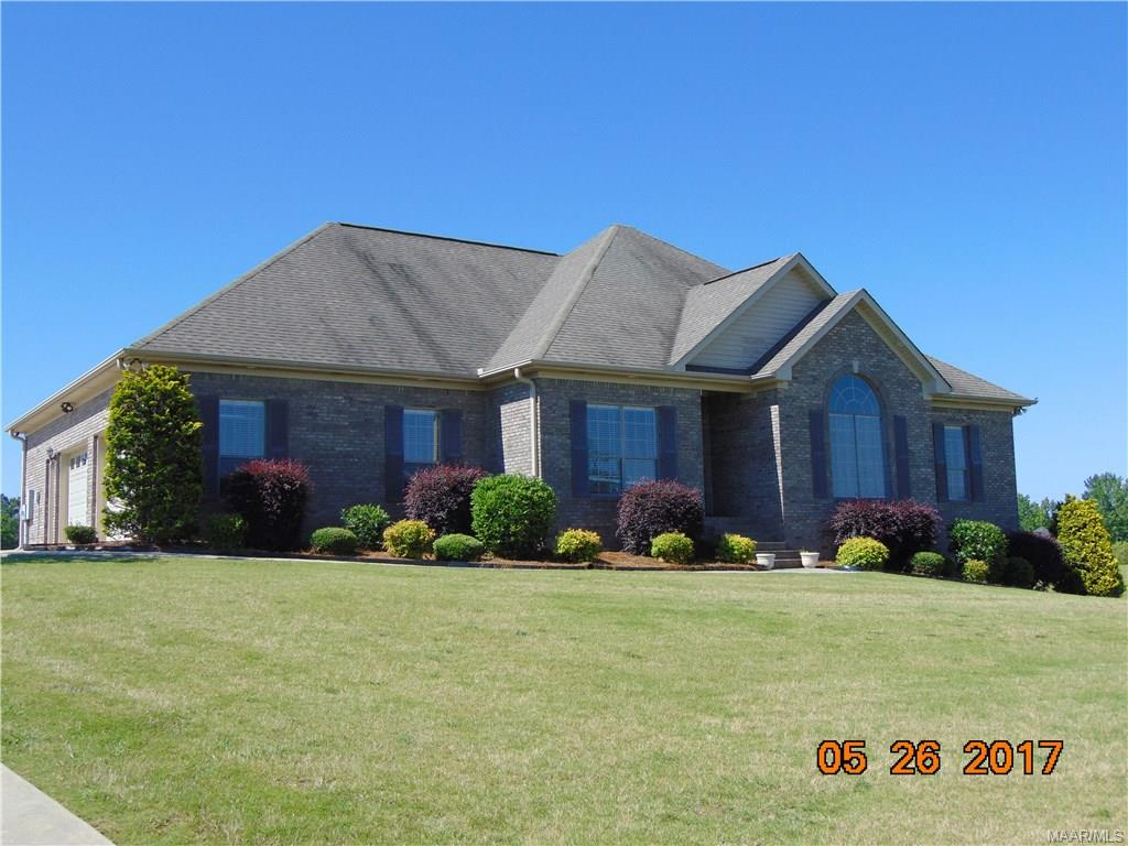 60 Crest Loop Road, Clanton, AL 35045