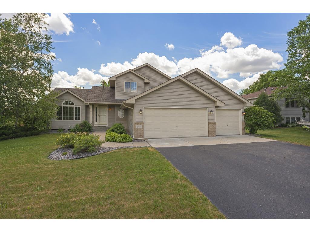 3414 White Oaks Lane, Woodbury, MN 55125