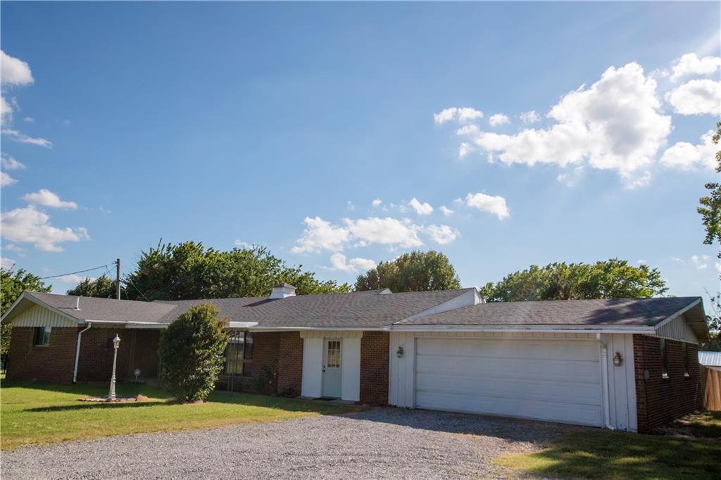 24984 E County Road 1550, Maysville, OK 73057