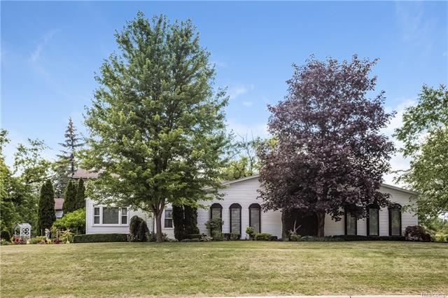 56383 HAYES Road, Shelby Twp, MI 48315